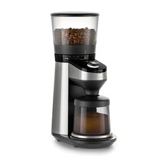 OXO On Conical Burr Coffee Grinder with Integrated Scale.OXO On Conical Burr Grinder worked in scale measures grounds by weight rather than time, disposing of the requirement for a different scale; programmed shutoff guarantees an exact Coffee Maker With Grinder, Best Coffee Grinder, Drip Coffee Maker, Coffee Grinders, Coffee Shop, V60 Coffee, Coffee Cups, Coffee Lovers, Espresso Coffee
