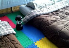41 Camping Hacks that are borderline genius. Foam flooring and 2 person sleeping bags? Sure, NOW I'll go camping! Camping Info, Camping Diy, Camping Glamping, Camping Survival, Camping With Kids, Family Camping, Camping Gear, Camping Stuff, Camping Checklist