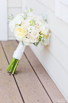 Wrap your bouquet with a meaningful fabric, like lace from your grandmother's wedding dress! #wedding #waccabuccountryclub #waccabac #connecticutwedding #cassiclaire Photography by www.cassiclaire.com
