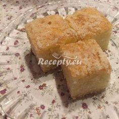 Hrníčková jablečno-kokosová buchta s drobenkou Cornbread, Ethnic Recipes, Food, Millet Bread, Essen, Meals, Yemek, Corn Bread, Eten
