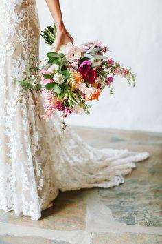 lush pink hued bridal bouquet | Photography: Paige Jones
