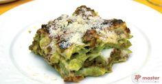 Scopri la ricetta: la vera lasagna bolognese. Ingredienti: Uova intere, Farina 00, Spinaci, Latte intero, Burro, Farina 00, Noce moscata, Parmigiano reggiano grattugiato, Prezzemolo.