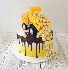 New cake birthday candy simple ideas - Cake. - New Cake Birthday Candy Simple Ideas – Cake. Birthday Candy, Birthday Cupcakes, Birthday Cake For Kids, Modern Birthday Cakes, Candy Cakes, Cupcake Cakes, Truck Cakes, New Cake, Birthday Cake Decorating