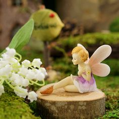 SITTING FLOWER FAIRY - Miniature Expressions
