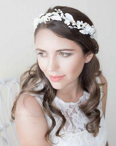 Bridal headpiece. bridal crown. Tocado de porcelana. Corona de novia.