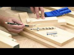 How to Select the Correct Pocket-Hole Screw - Kreg Tool Company Woodworking Furniture Plans, Woodworking Clamps, Woodworking Workshop, Woodworking Tips, Woodworking Techniques, Kreg Screws, Kreg Jig, Wood Screws, Pocket Hole Drill