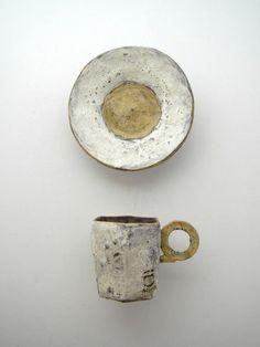 Kazuhiro Katase click now for info. Ceramic Tableware, Porcelain Ceramics, Ceramic Bowls, Ceramic Pottery, Pottery Art, Ceramic Art, Japanese Ceramics, Japanese Pottery, Earthenware