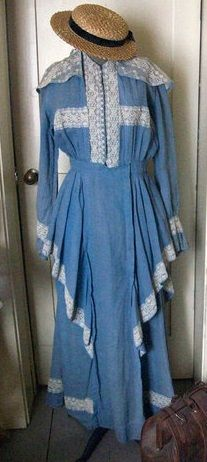 1914 (Ebay) blue linen and lace dress