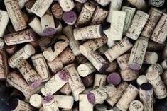 A beautiful free photo of wine corks. This image is free for both personal and commercial use. Linkedin Background, Vegan Wine, Wine Subscription, Wine Reviews, Baby Burp Cloths, Personalized Wine, Italian Wine, Wine Online, Car Magnets