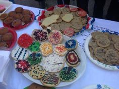 Beautiful baked treats- raising $ for Red Hook kids hit by #sandy. 12th St btwn 7&8th park slope. Come by!