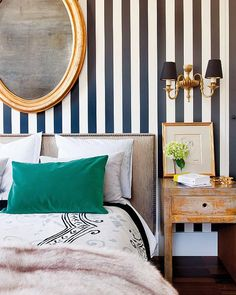 Artistic Beautiful Residences Applying House Interior Design Mixing: Beautiful Striped Wallpaper Idea At The Fashion Designer Carla Rebuelta. Decoration Inspiration, Interior Inspiration, Bedroom Inspiration, Style Inspiration, Decor Ideas, Style At Home, Home Bedroom, Bedroom Decor, Mirror Bedroom