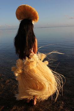Tahitian Dancer like Mom