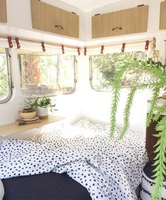caravan makeover 90212798770944625 - It's cold, dark and rainy here in Melbourne today, so I'm just going to imagine sitting in this sunny corner of Goldie…. Happy SUNday everyone!☀️ # Source by gabriellemayo Caravan Decor, Retro Caravan, Caravan Ideas, Caravan Makeover, Caravan Renovation, Rv Living, Tiny Living, Casita Camper, Camper Van