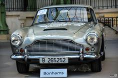 #Aston_Martin #DB4 à l'exposition #Bonhams au #Grand_Palais Reportage et résultats : http://newsdanciennes.com/2016/02/09/les-grandes-marques-au-grand-palais-par-bonhams-exposition-et-resultats/ #Voiture #Ancienne #ClassicCar