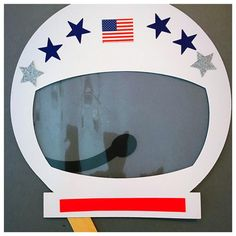 These make-your-own astronaut masks are the perfect activity for your little ones birthday party, play date, or just a r Astronaut Craft, Astronaut Helmet, Astronaut Party, Astronaut Costume, Outer Space Theme, Outer Space Party, Space Crafts Preschool, Outer Space Crafts For Kids, Space Activities For Kids