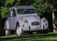 Classic Car Garage, Classic Cars, Peugeot, 2cv6, French Classic, Oldschool, Famous French, Cabriolet, Old Cars