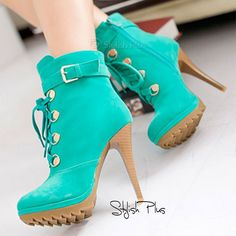 Love the fresh green. Stylish Plus Boots - I Love Shoes, Bags & Boys Fab Shoes, Crazy Shoes, Cute Shoes, Me Too Shoes, Shoes Heels, Pretty Shoes, Dress Shoes, Fur Ankle Boots, Heeled Boots