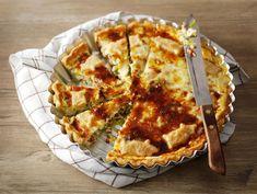 Juusto-pekonipiiras Hawaiian Pizza, Lasagna, Quiche, Pie, Cheese, Breakfast, Ethnic Recipes, Desserts, Foodies