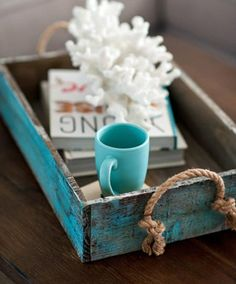 DIY Playbook's Home Tour from Gina Cristine Read more – www.stylemepretty… DIY Playbook's Home Tour from Gina Cristine Read more – www.stylemepretty… Pin: 736 x 1105 House Of Turquoise, Turquoise Cottage, Turquoise Table, Coastal Style, Coastal Decor, Rustic Beach Decor, Coastal Living, Diy Playbook, Beach House Decor