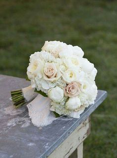 Crisp and Classic Bouquet – Sweet As Spring Wedding Flowers – Southernliving. Th… Crisp and Classic Bouquet – Sweet As Bouquet Bride, Lilac Bouquet, Spring Bouquet, Hydrangea Bouquet, Winter Bouquet, Flower Bouquets, Ranunculus, Spring Wedding Flowers, Floral Wedding