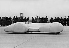 The German racing driver Rudolf Caracciola in his Mercedes-Benz racing car on the track between Dessau and Bitterfeld before the start of a record attempt, 08.02.1939.