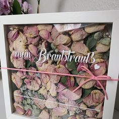 Forever Us - Your bridal bouquet in the picture frame - different fonts possible. Forever Us – Your bridal bouquet in the picture frame – different fonts possible. *with your pe Diy Wedding Flowers, Wedding Bouquets, Theme Nature, Fleurs Diy, Dream Wedding, Wedding Day, Different Fonts, Etsy, Picture Frames