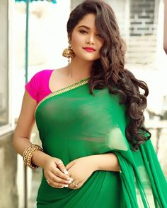 Wallpaper Artis India: Indian Sexy Girls Who Make Up the Internet Beautiful Girl In India, Beautiful Girl Image, Beautiful Saree, Beautiful Models, Simply Beautiful, Beautiful Women, Saree Wearing Styles, Saree Styles, Beautiful Bollywood Actress