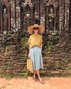 3,227 отметок «Нравится», 8 комментариев — @alenaakhmadullina в Instagram: «16 веков тому назад.. #vietnam #wearing #alenaakhmadullina #ss17»