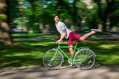 Monday won't get us down! Take out a YOTEL bike and explore all your favorite places in #CentralPark.