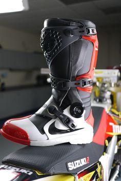 Nike makes MX boots! Dirt Bike Boots, Mx Boots, Dirt Bike Gear, Nike Boots, Motorcycle Boots, Dirt Biking, Motocross Girls, Motocross Gear, Riding Gear
