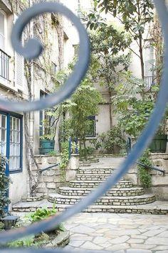 Rue de cardinal Lemoine Paris 5ème
