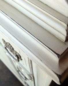 How To: Paint a Distressed Furniture Finish