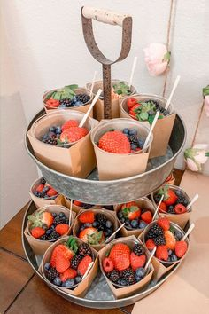 These berry cups are adorable and easy and FAST! Serve them at your next party to impress your guests! Grab and go breakfast party recipe. Best Ever Scone Recipe, Individual Appetizers, Fondue, Brunch Bar, Brunch Food, Grab And Go Breakfast, Reception Food, Mothers Day Brunch, Brunch Recipes