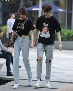 Matching Couple Outfits, Twin Outfits, Matching Couples, Cute Couples, Handsome Boy Photo, Handsome Boys, Korean Couple, Ulzzang Couple, Korean Street
