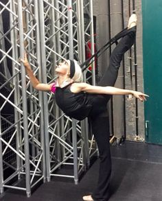Adrienne Canterna backstage with Bad Boys of Ballet #Flexistretcher arabesque