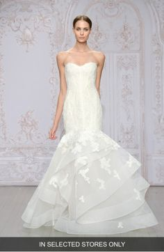 Main Image - Monique Lhuillier 'Saffron' Strapless Lace & Organza Mermaid Gown (In Stores Only)