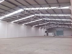 Warehouse Home, Warehouse Design, Steel Structure Buildings, Roof Structure, Factory Architecture, Architecture Details, Industrial Sheds, Roof Truss Design, Steel Frame Construction