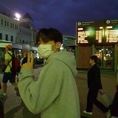 Image in Boyfriend Material collection by vans Korean Boys Hot, Korean Boys Ulzzang, Ulzzang Boy, Cute Asian Guys, Cute Guys, Asian Men, Asian Boys, Pose Reference Photo, Photo Editing Vsco