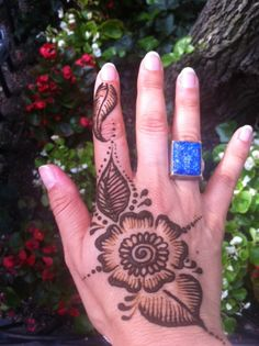 DIY henna tattoo: I should have never found this.....>:D