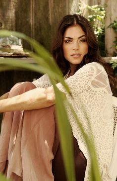 Kelly Thiebaud (Brittch), Really Have Grown To Like Her Character on General Hospital.  Wish The Writers Would Cut Her Some Slack...This Is A Pretty Photo of Her?!
