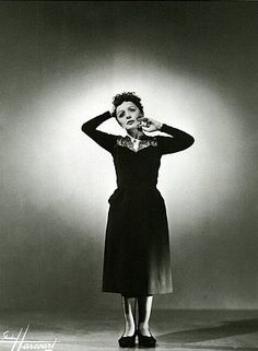 """(Sexy) Song of the Day: Edith Piaf """"C'est Merveilleux"""""""
