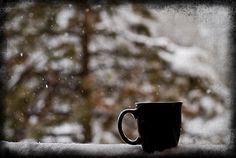 coffee and snow in the morning ~ yes! Lovely morning snow and coffee today! Coffee And Books, I Love Coffee, Hot Coffee, Coffee Drinks, Coffee Cups, Drinking Coffee, Morning Coffee, Good Morning, Coffee Today