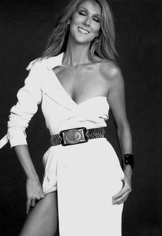 Celine Dion in 7 Hollywood magazine, at age forty-four Celine Dion, Stevie Wonder, Kylie Minogue, Divas, The Voice, Female Singers, Belle Photo, Role Models, My Idol