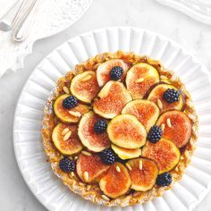 With tart dough, puff pastry or even cookies. And maybe some pistachios or fresh berries. Easy and delicious recipes for the perfect autumn breakfast.