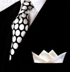 Crisp white custom folded pocket squares #Colgate #OpticWhite #WeddingMonth http://bit.ly/1lc9DHM