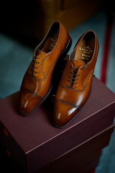 Beautiful cap toe brogue in brown by carmina #Style