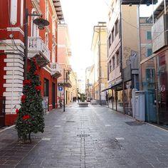 """#Pescara #city #street #2016 #abruzzo #italy #iphonesia #iphoneonly #iphonography #picoftheday #photooftheday #ig_italy #ig_italia #ig_abruzzo #ig_pescara…"""