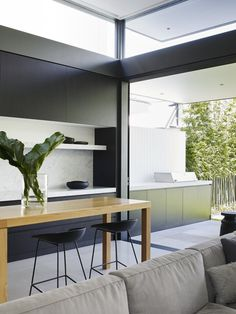 Photo 9 of 13 in A Sleek, Two-Story Addition Hides Behind a Traditional Cottage in Sydney - Dwell Indoor Outdoor Kitchen, Outdoor Living, Danish Design Store, Interior Architecture, Interior Design, Beautiful Kitchens, Minimalist Home, Family Room, Living Spaces