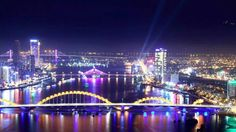 Thành phố Đà Nẵng về đêm lung linh trong ánh đèn. Bạn đã đến Đà Nẵng chưa