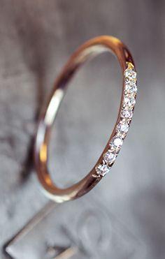 Thin pave diamond band